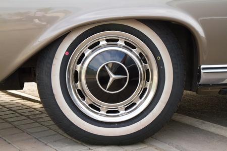 HUA HIN, THAILAND - DEC 16: Mercedes-Benz  C220s 1959—1971 Vintage cars display in Hua Hin Vintage Cars Parade Festival 2011 at Hua Hin floating market on December 16, 2011 in Hua Hin, Thailand. Stock Photo - 11719517