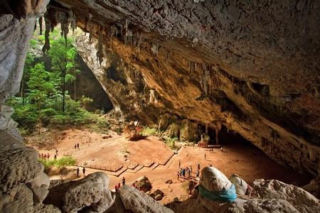 phraya: Pavillon in Phraya Nakorn cave nearby Hua Hin , Thailand . National Park Khao Sam Roi Yot