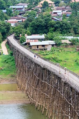 longest: Longest wooden bridge in Thailand, at Sangkhlaburi