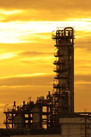 refiner�a de petr�leo: Refiner�a de petr�leo Foto de archivo