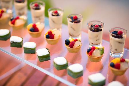 結婚式: タイのデザート ビュッフェ ラインに
