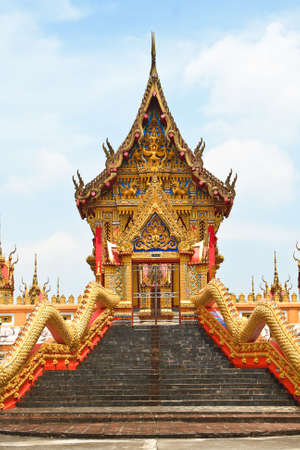 Gold temple  Stock Photo - 16362050