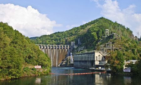 safe water: A large, very scenic,  hydroelectric plant in the mountains of North Carolina.  Stock Photo