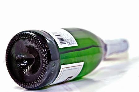 Einzigartige Perspektive einer Flasche Wein oder Champagne. Standard-Bild - 9139487