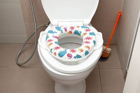 Toilet seat Defecation for children.
