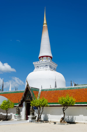 place of worship: Giant pagoda  of  Wat Phra Mahathat Woramahawihan is Place of worship for buddhism  at Nakon Si Thammarat, Thailand