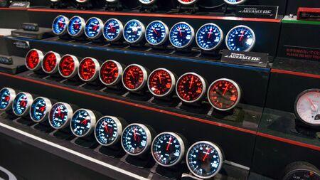 modyfikować: Bangkok, Tajlandia - 29 czerwca: Meter Pokaż w bangkokinternationalautosalon na Impact Muang Thani stringi, Bangkok, Tajlandia. Bangkokinternationalautosalon jest modyfikowanie car show w Tajlandii