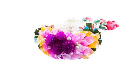 leis: Ghirlande di fiori in stile tailandese isolato su sfondo bianco Archivio Fotografico