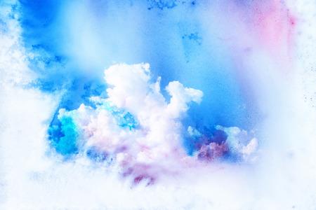 구름의 추상 수채화 그림입니다. 종이에 수채화 그림. 하늘의 수채화 그림. 추상적 인 배경입니다.