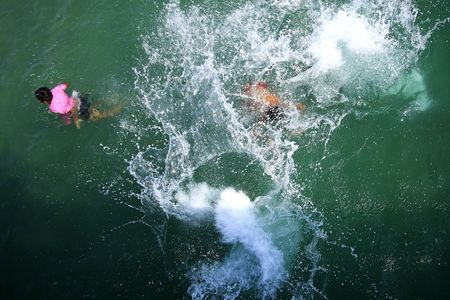 ๋Jumping to water Stock Photo - 4041731