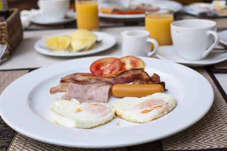 bacon love: Duo egg and bacon in breakfast.