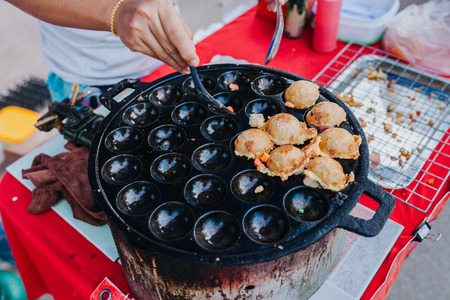 Sweet and Savory Grilled Coconut Rice Hot cakes its for kanom krok but sometiems they use Coconut Rice Cake