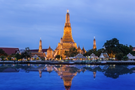 phraya: Wat Arun temple and Chao Phraya River, Bangkok, Thailand Stock Photo