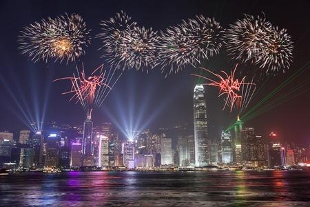 Viering van het Vuurwerk bij Hong Kong Victoria Bay view Van Kowloon