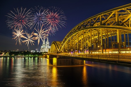 Fireworks Celebration at Cologne Cathedral and Hohenzollern Bridge, Cologne, Germany Stockfoto