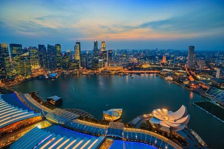 싱가포르의 스카이 라인과 마리나 베이 (Marina Bay)의보기 스톡 콘텐츠