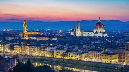 Horizonte de la ciudad de Florencia - Florencia - Italia Foto de archivo - 44338577