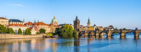 Panorama van de stad horizon van Praag - Tsjechië Stockfoto