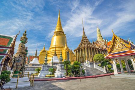 Wat Phra Keo-Tempel, Bangkok, Thailand Standard-Bild - 53968104