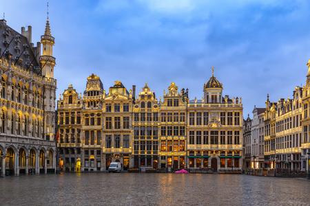 그랜드 플레이스, 브뤼셀, 벨기에에서 브뤼셀 밤 도시의 스카이 라인