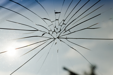the cracked of laminated safety glass photo