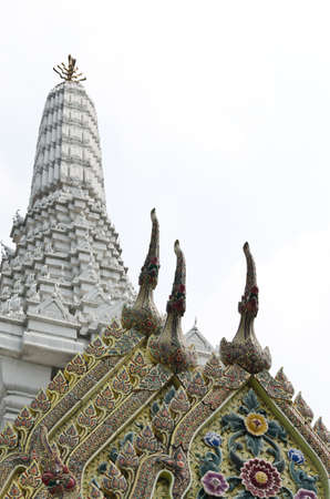 buddhist temple roof: Wat Pho Famous Bangkok Temple