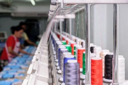 Urządzenia przemysłu szycia i materiały
