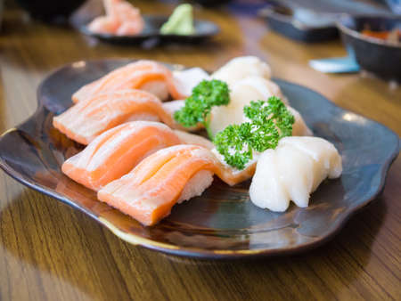 hotate: Classic japanese food- sushi on a plate