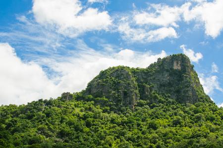 trompo de madera: Monta�a y el cielo