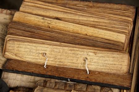 mano de dios: Los antiguos textos budistas