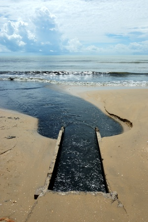 excremental: Black Sea, Wastewater from the industry. Global warming.
