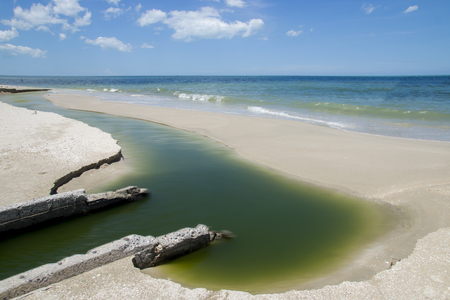 excremental: Wastewater from the industry into the sea