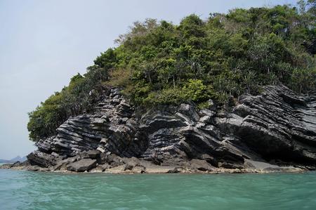 The Pancake rock island in the sea at Khanom province, Nakorn Sri Thammarat, The travel in south of Thailand. Reklamní fotografie - 109944114