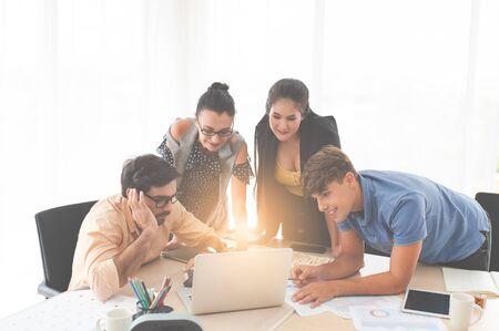 Plan a meeting job. In planning meetings. Presenting the plan at a meeting. Put forward a plan at the meeting.