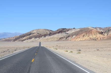 死の谷でアーティストのドライブ