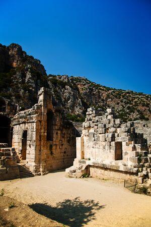 teatro antiguo: Antiguo teatro en ruinas en Myra en Turqu�a Foto de archivo