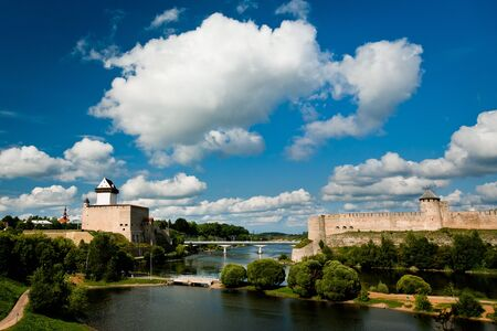 herman: Castle of Herman and Ivangorod fortress and river between