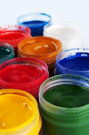 guache: Tarros con gouache coloreada Primer