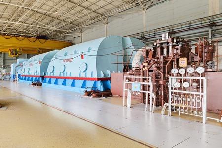 La industria de la energía. Potente turbina de vapor de la planta de energía nuclear. Foto de archivo - 65224132
