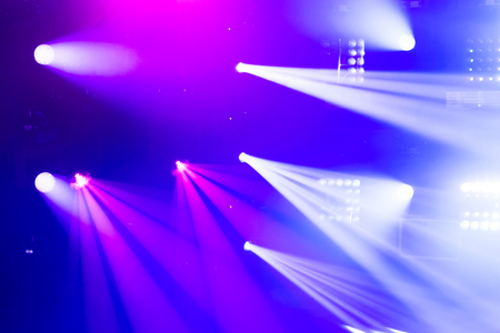 Abstraktes Bild von Disco-Lichter. Scenic Spot-Licht Standard-Bild - 65607951