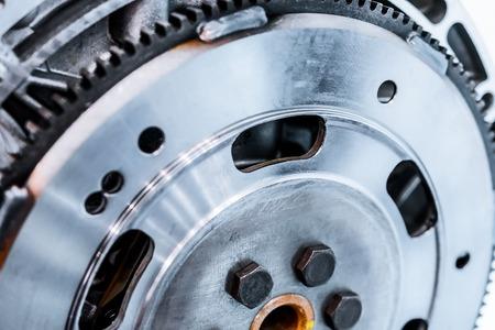 Stahl Schwungrad am Motor angebracht. Zusammenfassung Hintergrund in der Industrie. Standard-Bild - 68869279
