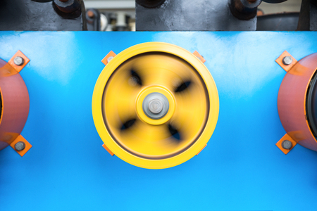roller: Rotating rubberized wheels of the winding machine.