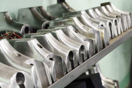A rack with aluminum shoe pads. Banco de Imagens