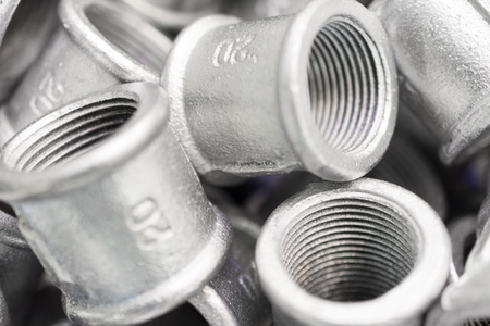 Placer connecting fittings for metal pipes.