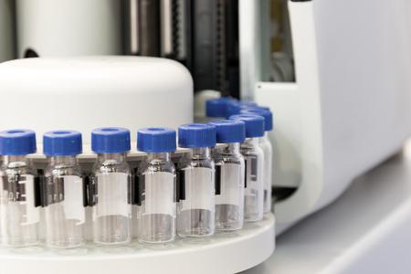 유리 테스트 튜브, 가스 chromatograph 장비의 조각와 카세트.