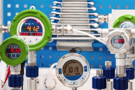 Manomètres électroniques. Des instruments modernes pour mesurer la pression.
