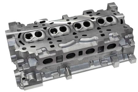 The cylinder head of the internal combustion engine. Foto de archivo