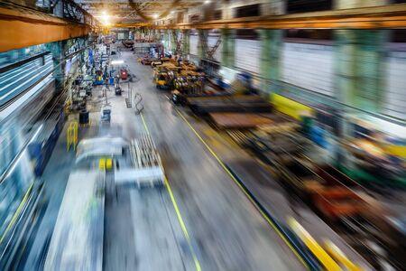 Fabrikladen. Abstrakter industrieller Hintergrund, Bewegungsunschärfeeffekt. Standard-Bild - 93403972