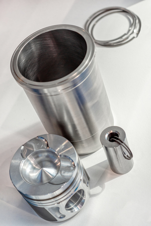 A set of parts of the internal combustion engine.