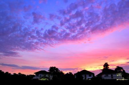 lever du soleil et le nuage moelleux  Banque d'images
